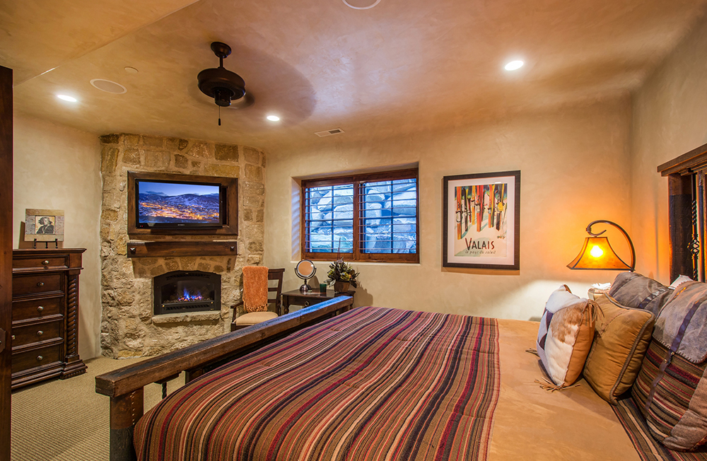 Fantastic park city lodging available, with over 200 condos, home and townhomes to choose from